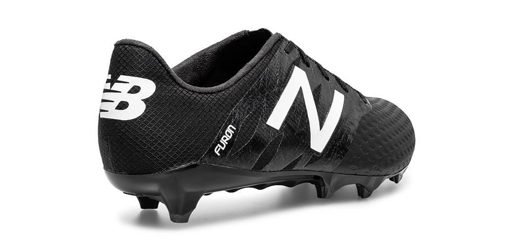 New Balance fodboldstøvler. Gør som Schmeichel, Ramsey og Mirallas.