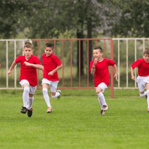 Når dit barn skal begynde til fodbold